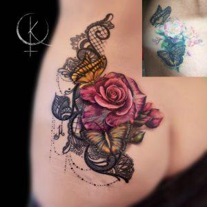 Исправление и перекрытие старой тату, роза с кружевами и бабочками