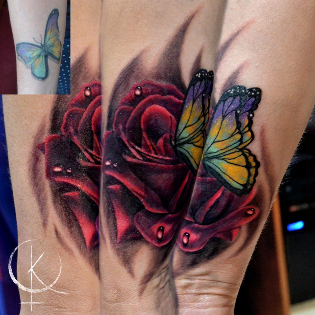Перекрытие старой тату, роза с бабочкой в реализме на руке