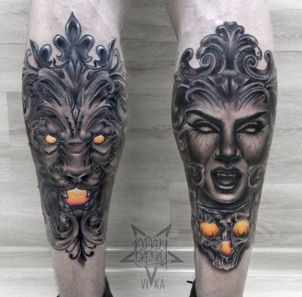 Татуировки на ногах, лев и девушка