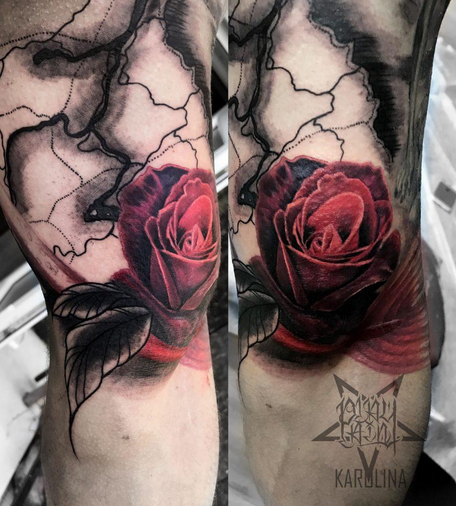 Тату на локте, красная роза