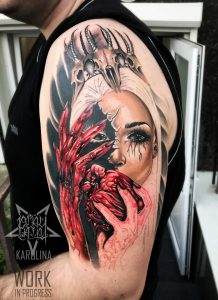 Татуировка на плече. Одно из самых удобных мест для татуировки.