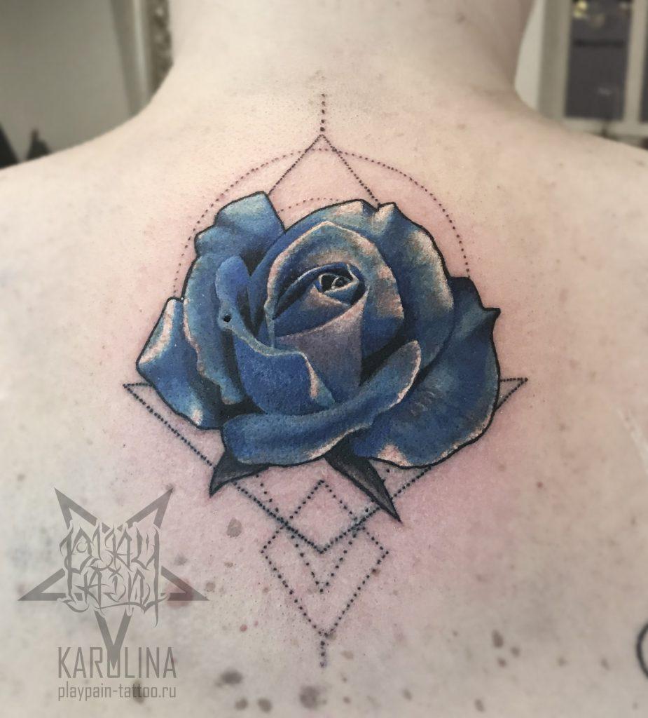 Роза с элементами геометрии, женская татуировка на спине