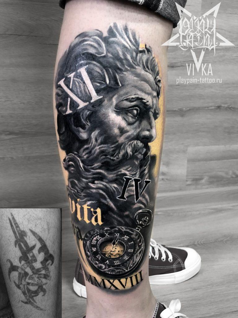 Перекрытие старой татуировки, Зевс с часами на ноге
