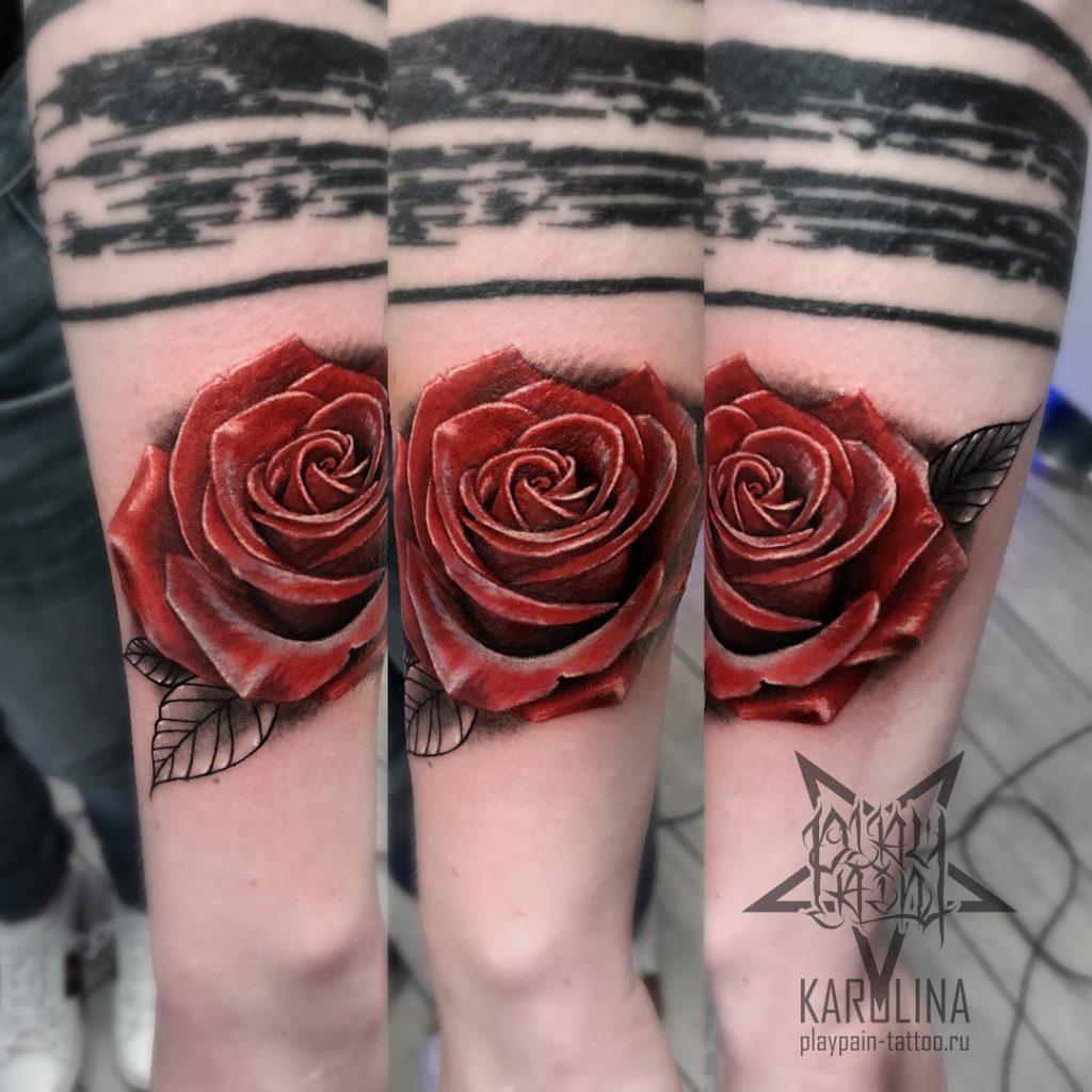 Роза, татуировка в реализме на руке