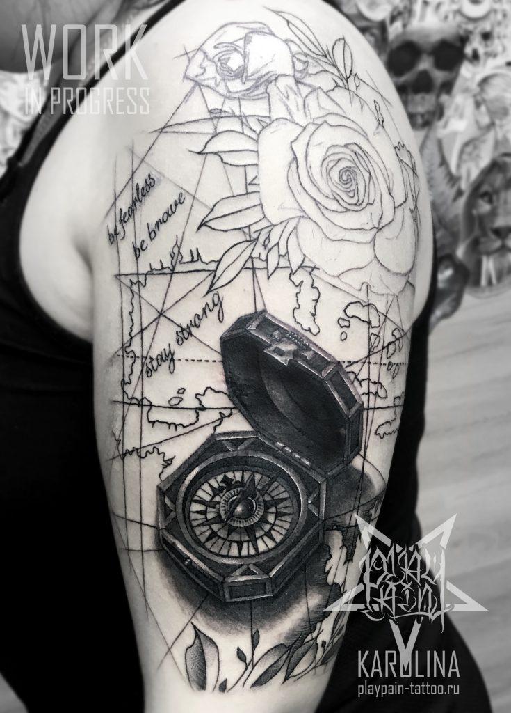 Черно-серый рукав в процессе, компас с розами