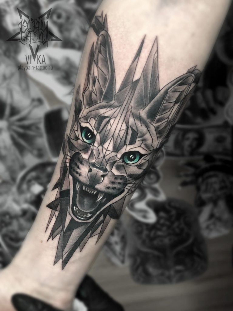 Каракал в графике, татуировка на руке